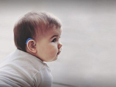 Ραντεβού με έναν άνθρωπο με προβλήματα ακοής